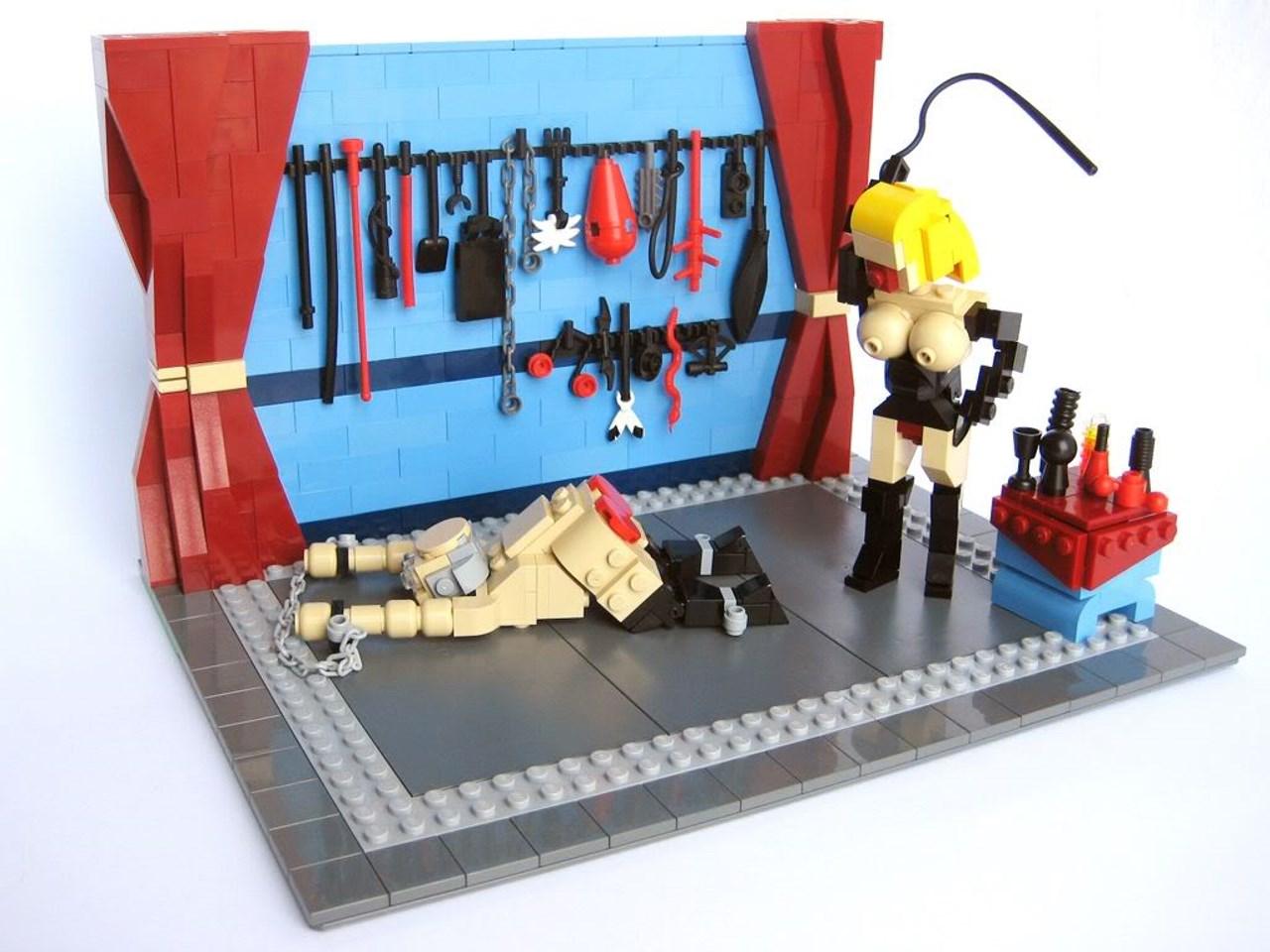 Lego, bdsm femdom edition